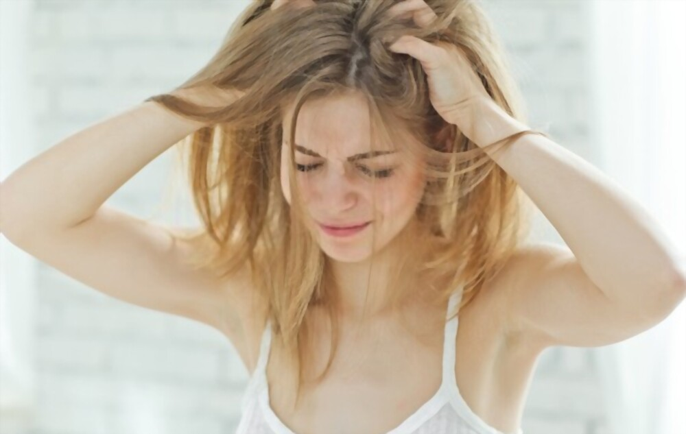 Simple Ways To Get Rid Of Dandruff At Home