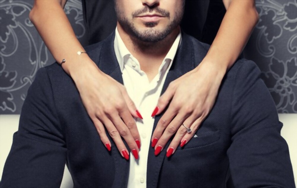 18 SKILLS TO MAKE HIM SEXUALLY ADDICTED TO YOU FOREVER